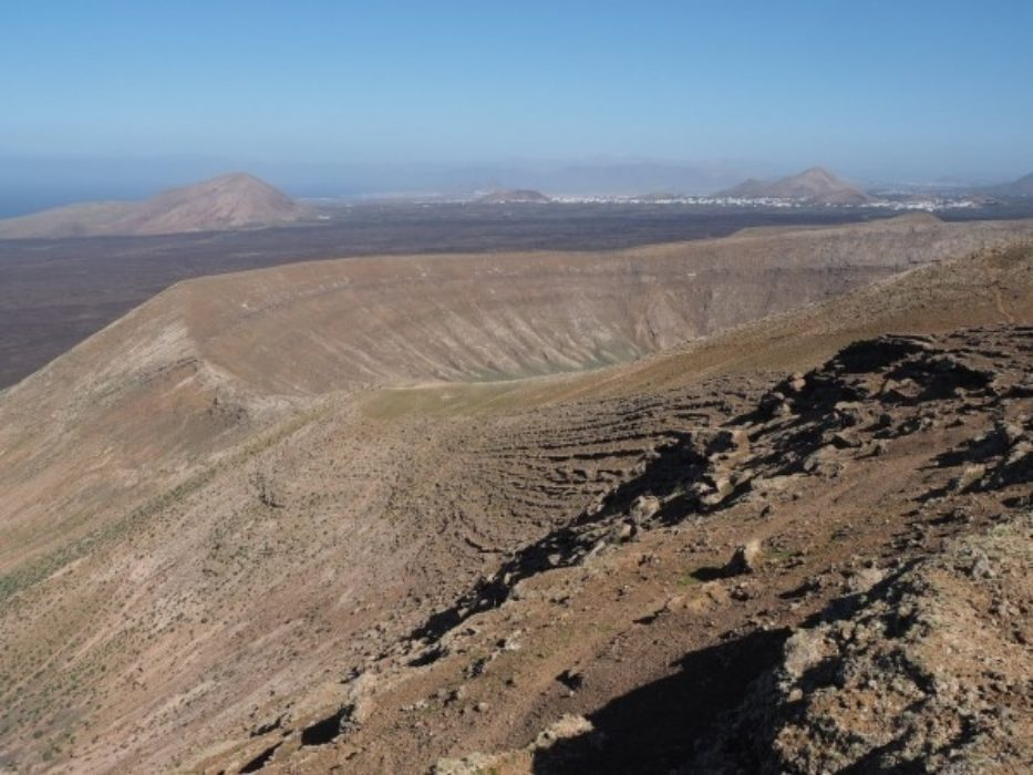 Caldera Blanca Walking In Lanzarote Cicerone Guide