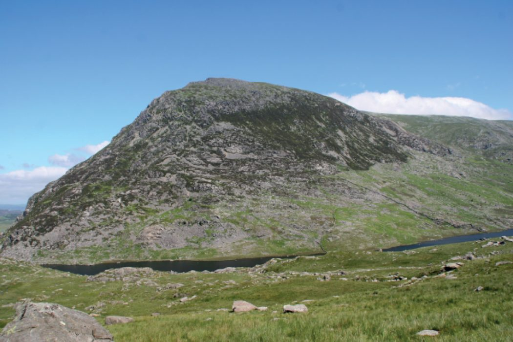 Pen Yr Ole Wen The Days First Objective Seen Across The Ogwen Valley