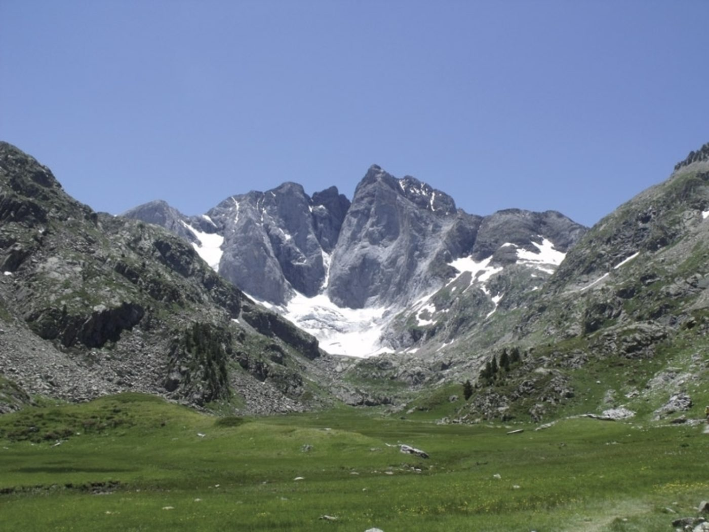 an intro to the gr10 trail a trek through the pyrenees cicerone. Black Bedroom Furniture Sets. Home Design Ideas