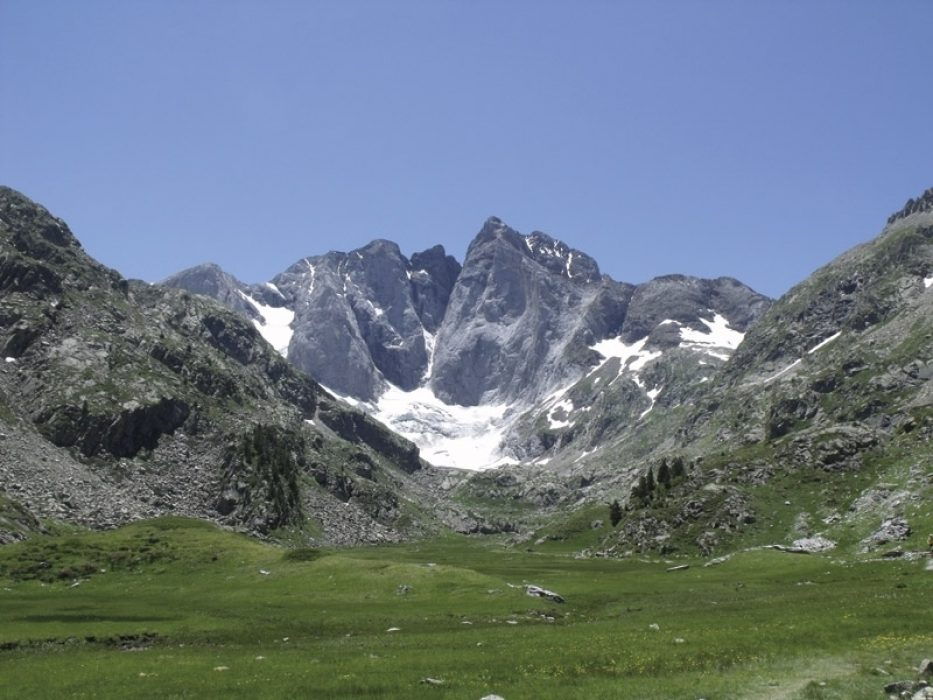 Trek The Gr10 Trail With A Cicerone Guidebook