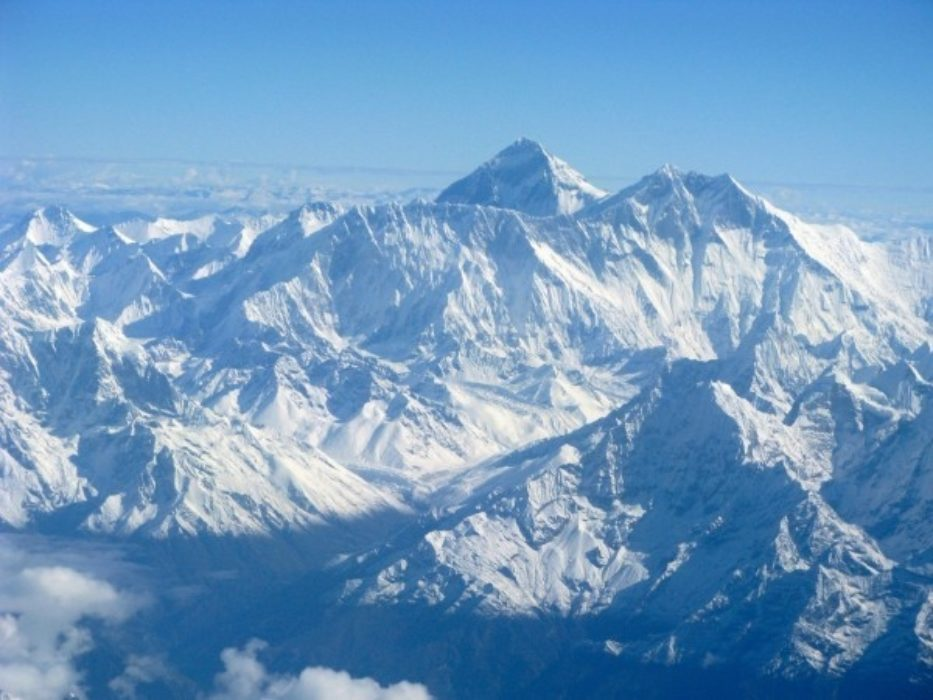 Flight Past Everest