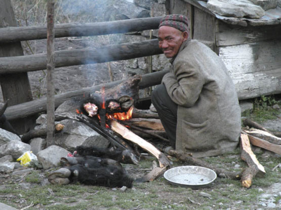 Keeping warm and fed in Kalopani