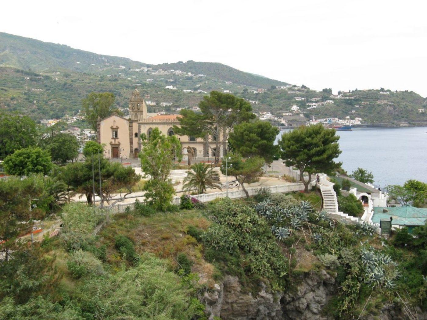 Walking on the Aeolian Islands Sicily Cicerone