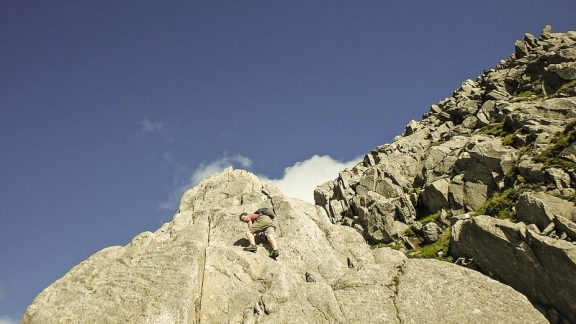 The Magnificent rock of Notch Arete at grade 2 © Carl McKeating & Rachel Crolla