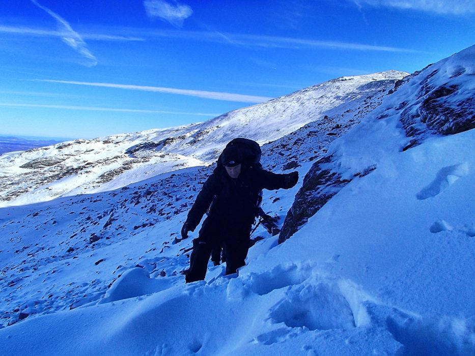 12 Deep Powder Snows En Route To The Refugio Elorrieta