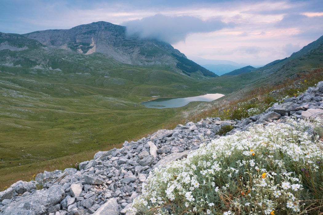 A glimpse of the Duchessa lake
