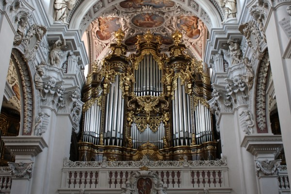 Passau cathedral organ is the largest in Europe
